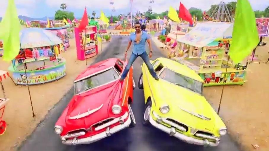 Ajay devgan golmaal 3 car stunt