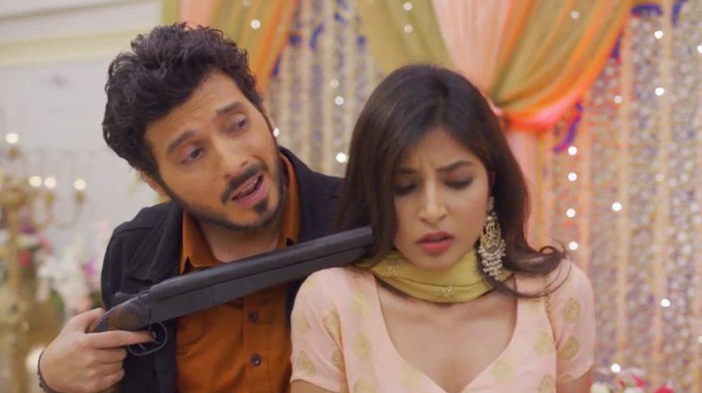 Oh bhsdiwaley Chacha thoda rest kariye Divyendu Sharma as Munna Bhaiyaa Mirzapur meme