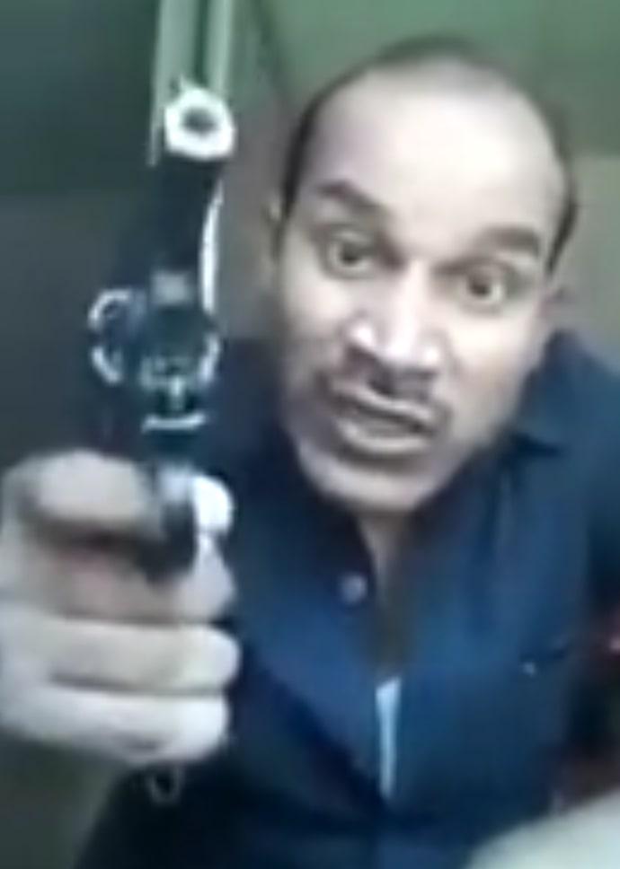 Tera baap hu madarc**d Pramod Dubey allahabad abusing ajaz khan meme