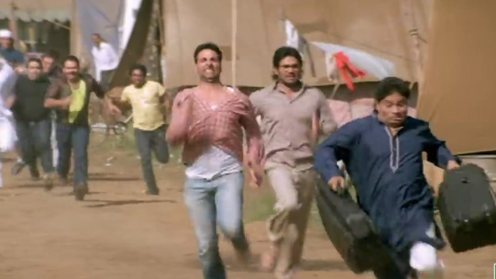 Raju and Shyam running after Munnabhai Phir Hera Pheri Akshay Kumar Johnny Lever meme