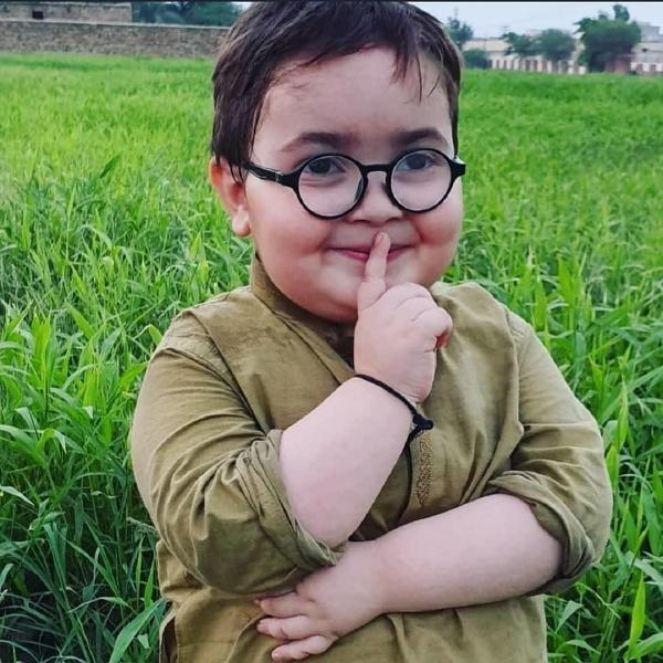 ahmad shah piche to dekho kid chup botlike shut up meme