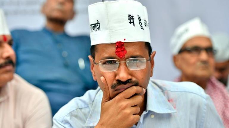 arvind kejriwal thinking while protesting
