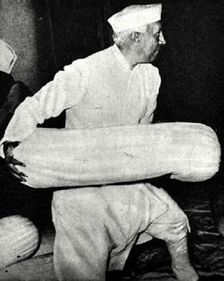jawaharlal Nehru Pillow fight funny photo