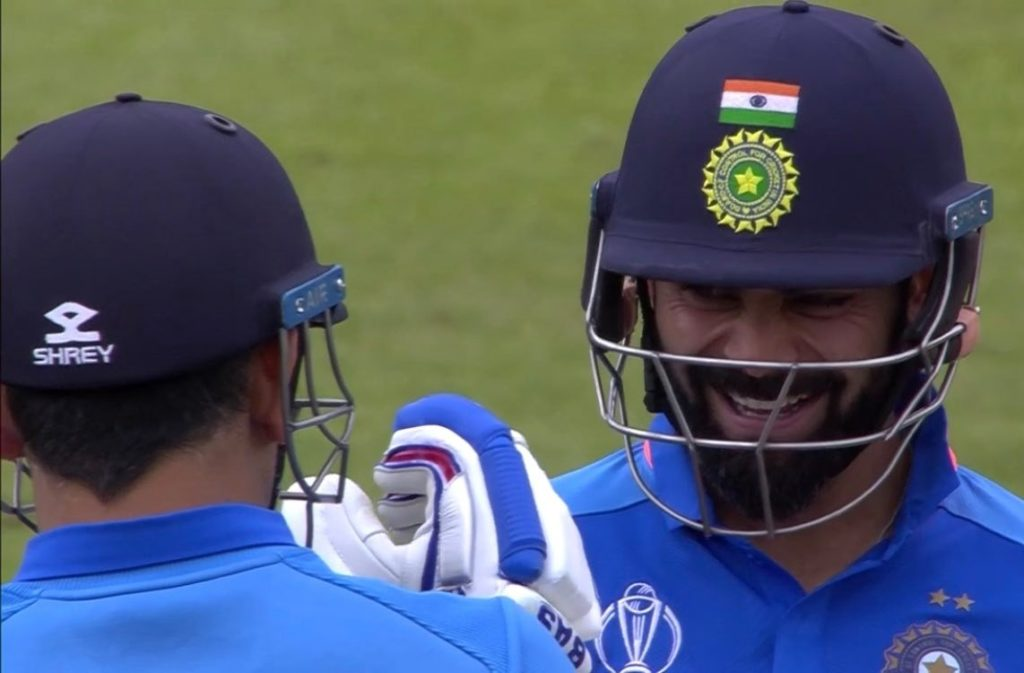virat kohli happy reaction after dhoni hit a six cc cricket world cup 2019 India vs Australia