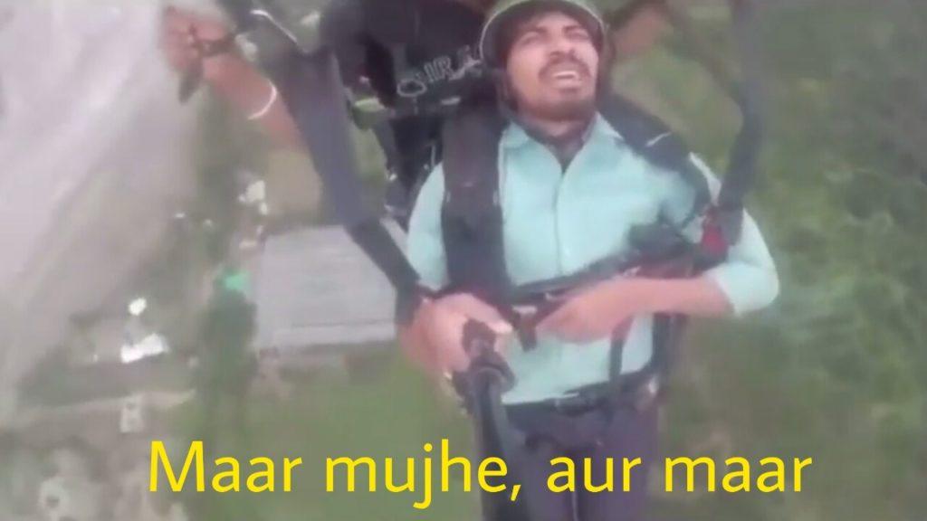 Maar mujhe aur maar viral video guy vipin sahu paragliding meme