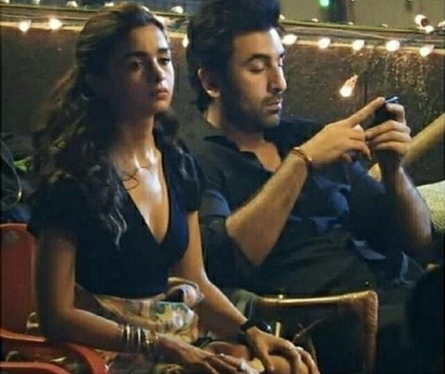 ranbir kapoor using phone ignoring girlfriend alia bhatt on the sets of Brahmastra