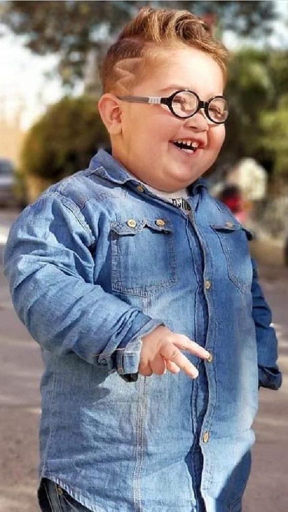 stylish ahmad shah pathan ka baccha piche to dekho kid photo laughing
