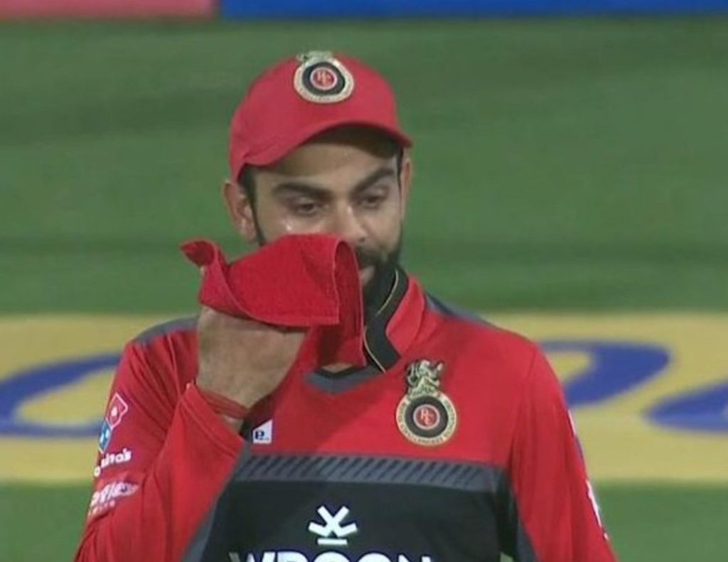 virat kohli crying after losing a match against Sunrisers Hyderabad in the IPL 2019