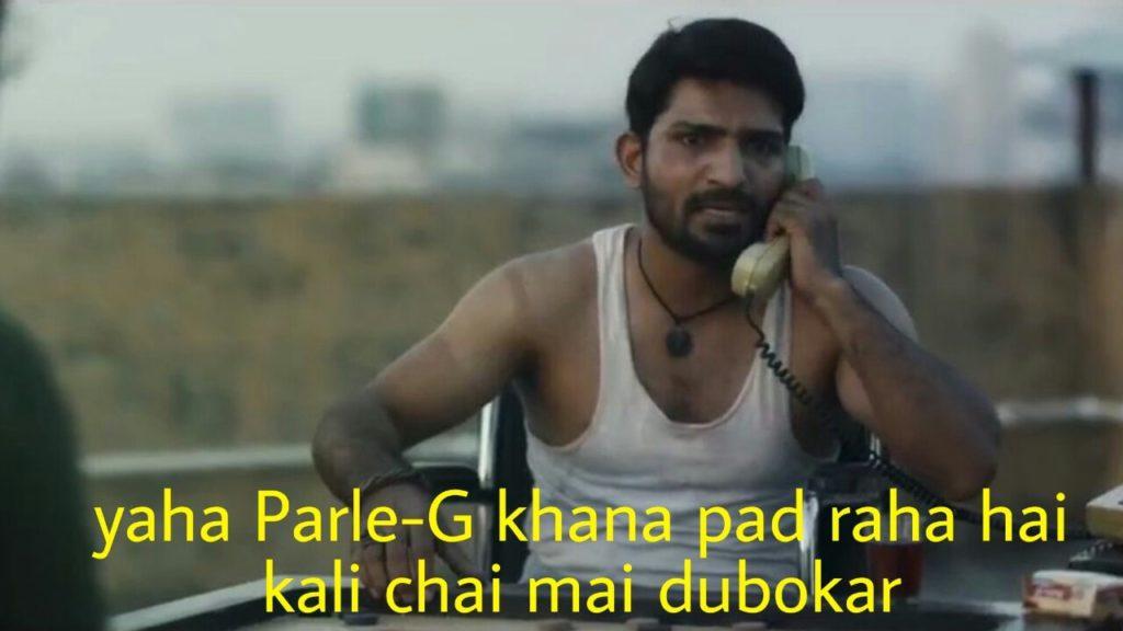 atin Sarna as Bunty in Sacred Games Season 2 dialogue and meme template talking to Gaitonde on phone yaha parle g khana pad raha hai kali chai mai dubokar